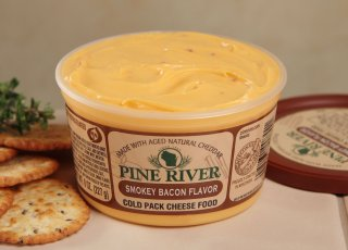 8oz Smokey Bacon Spread (Pine River)